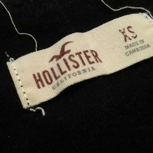 Hollister Tops - Women's lowcut Hollister graphic tee